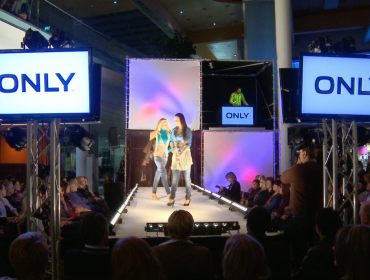 "Eventvideo ""Fashioncube"" im max.center Wels"